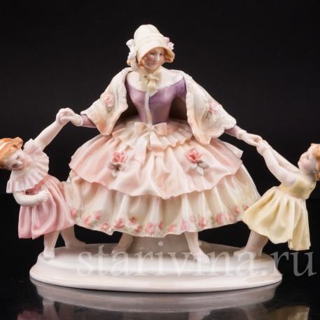 Уцененная статуэтка из фарфора Мама с дочками, Karl Ens, Германия, 1920-30 гг.