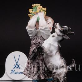 Статуэтка из фарфора Девочка с козлёнком, Meissen, Германия, пер. пол. 20 в.